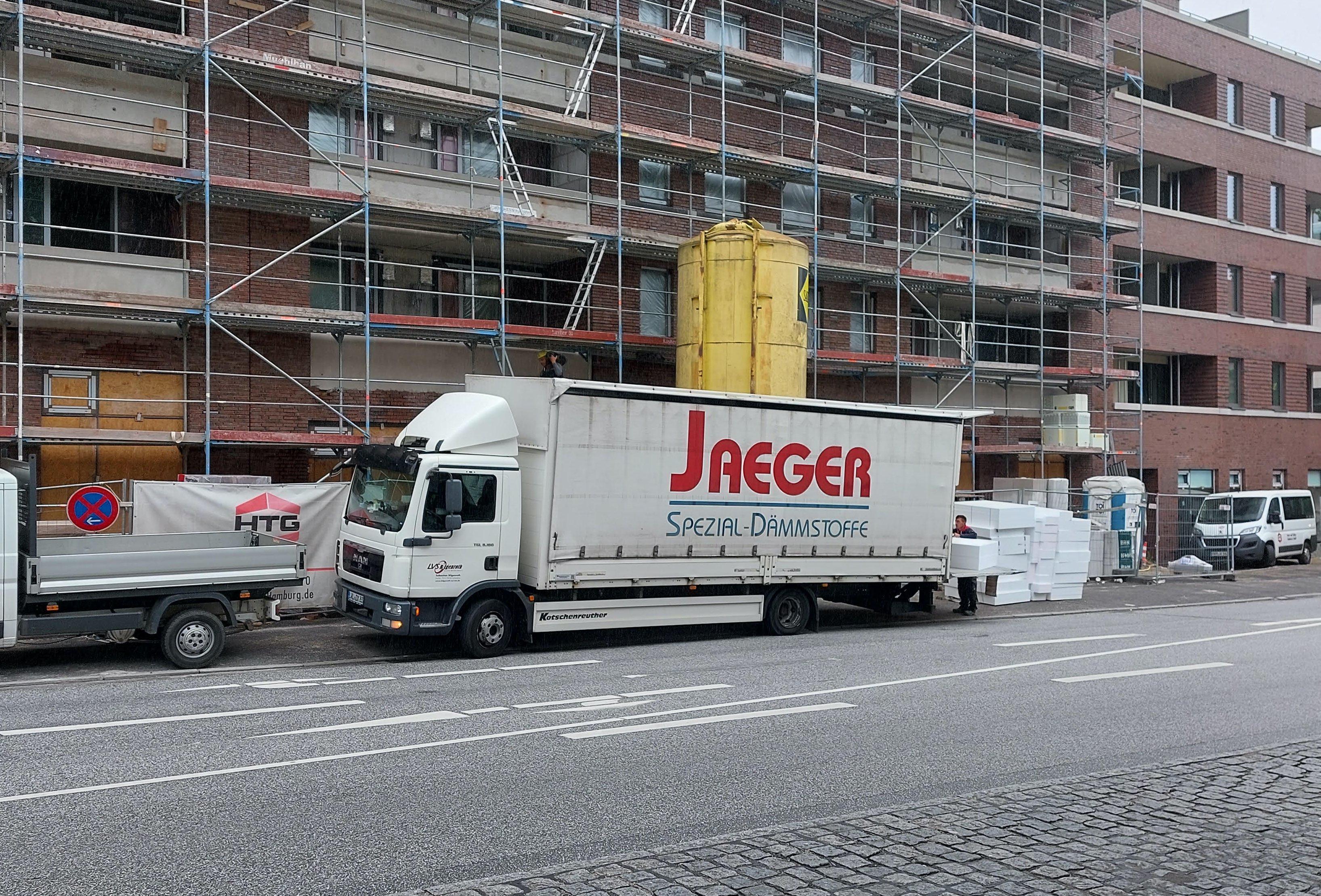 jaeger-2-lkw-quer